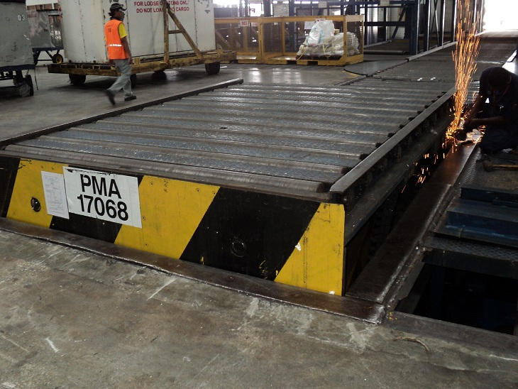 Scissor Lift repair work at MAS Kargo Penang